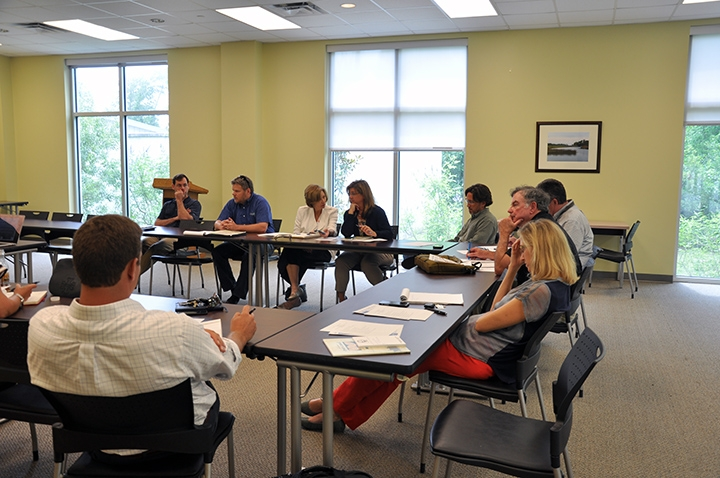 Mississippi stakeholders discuss shellfish resources in the state and the Gulf during a Gulf of Mexico Shellfish Initiative meeting.